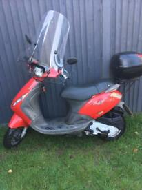 Piaggio zip 50cc one year mot full logbook 3 set of keys £550 Ono