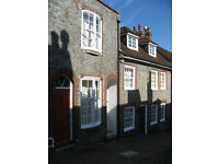 Two bedroom cosy cottage with small sunny garden, in historic Keere Street in the centre of Lewes