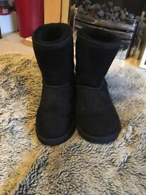 Genuine Classic Black Uggs Size 4