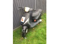 Piaggio zip 50cc started and rides £300
