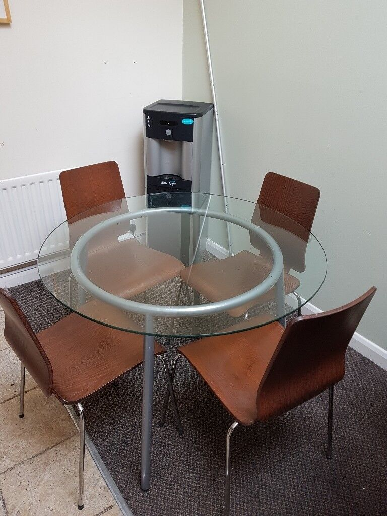 Round Glass Kitchen Dining Table H72xW102 Used
