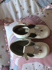 Girls Leon Shoes