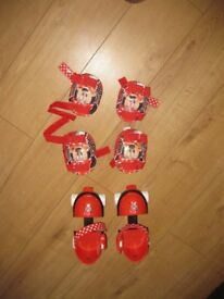 MINNIE MOUSE ADJUSTABLE ROLLER SKATES from 3 years + with knee pads & elbow pads - FABULOUS