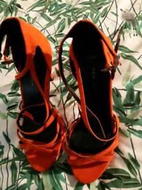 Heels size 3
