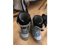Vans women's snowboard boots 6.5