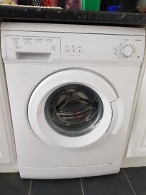 Currys Essential washing machine