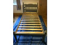 Upcycled single grey wooden bed - In excellent condition