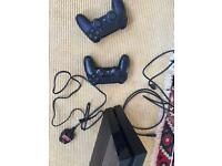 Secondhand PlayStation 4 + 2x Wireless Controllers