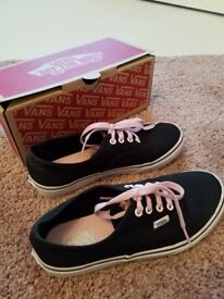 Vans hidden kitten size 4 shoes