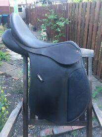 "17"" brown Wintec GP saddle with two extra gullet bars"
