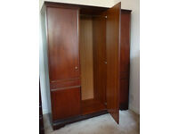 Cliveden Merridew 3-Door Wardrobe with mirror, good condition