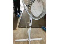 Freestanding floor fan