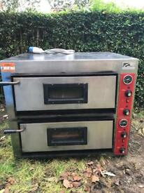 Electric pizza oven good condition *QUICK SALE *