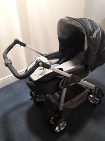 Silver Cross Pram in good working condition. Recently washed and cleaned.