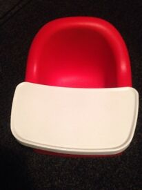 Unisex boy or girl bumbo feeding portable chair with removable tray excellent condition