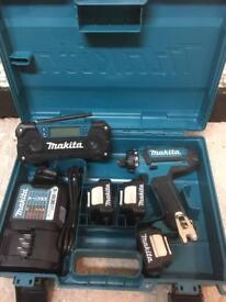 Makita Drill Driver + Radio Set