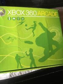 Xbox 360 arcade boxed + Accessories
