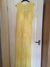 Yellow lace fishtail prom dress bodice lined fishtail lace only size 12 never worn £65.00
