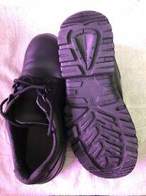 ladies safety shoes size 39 (EU) 6.5-7 UK