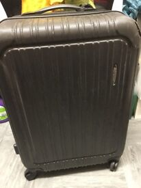 DELSEY VALAGUZZA black hard shell suitcase with 2 wheels and handle