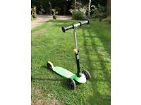 B1 Oxelo kids scooter green black
