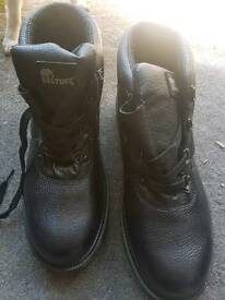 Steel toe cap safety boots new