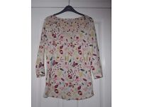 MARKS & SPENCER Ladies Patterned Long Sleeve Top Size 10 - cash on collection from Gosport Hampshire