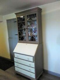 Shabby chic drawers with shelves bureau