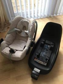 Maxi cosi 2 way family fix base and pebble car seat