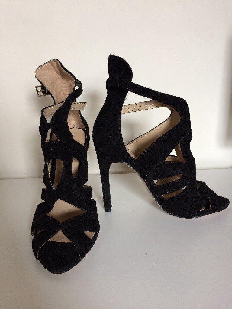 Women's heels size 2-3