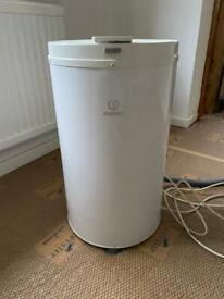 Indesit Freestanding Spin Dryer