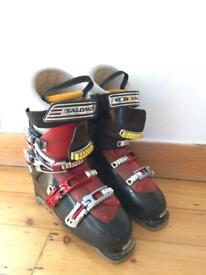 Salomon ski boots - only used a couple of times, size UK 8.5
