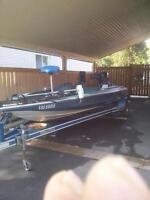 nice 18ft bass boat with 91 johnson pro series outboard