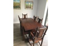 Dining table,fantastic good condition,solid oak,extendable,carved leg,genuine Old Charm,150cm-230cm