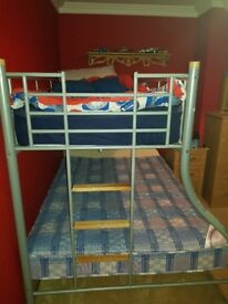 Triple bed..