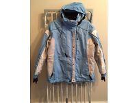 Women's ski jacket, outside/inside pockets, inner fastening. Lightly worn. Size: Eur 46.