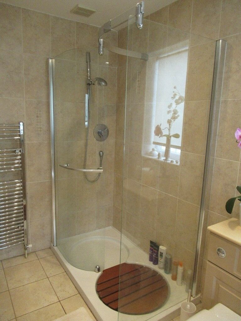 Shower cubicle complete with Triton Thames thermostatic concentric ...