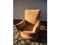 Ercol armchair in very good condition with original cushions. A very comfortable armchair