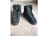 SALOMON Winter 'Super Mountain' Boots - Size 8 - Brand New