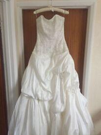 Size 8 Stunning wedding dress