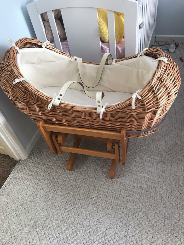 mothercare the snug moses basket with gliding moses basket. Black Bedroom Furniture Sets. Home Design Ideas