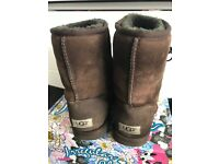 UGG boots size 5, chocolate brown