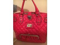 Guineue designer GUESS handbag
