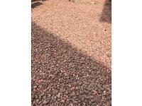 Red gravel chips 20mm