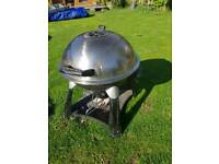 Lidded dome travel BBQ