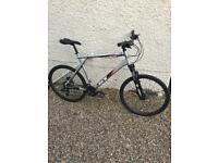GT AGGRESSOR 3 men's mountain / touring / commuter / hybrid bike. Very high spec l@@k now!