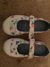 Baby girls next shoes size 5