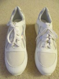 WHITE TRAINERS FROM NEW LOOK - SIZE 5 EU 38 - BRAND NEW
