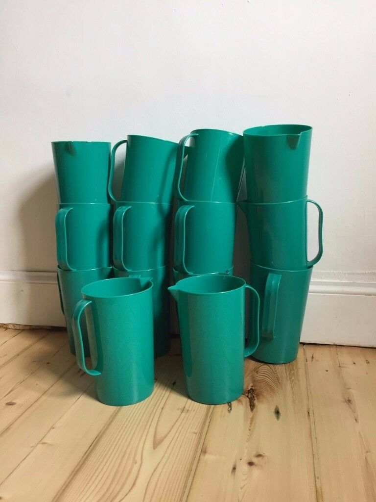 14x 1.5 Litre Green Plastic Jugs (perfect for events, parties etc)