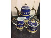 Tea set £10